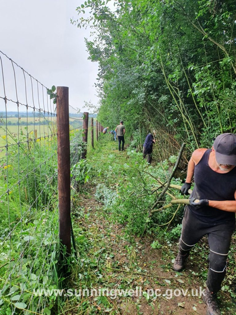 Clearing the heavily overgrown Quarry Footpath